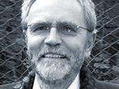 Bývalý politický vězeň Carl-Wolfgang Holzapfel.